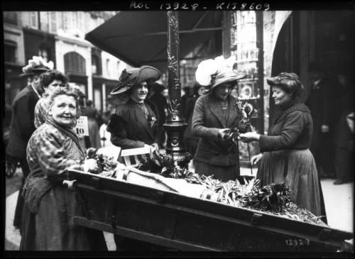 Marchandes de muguet en 1911